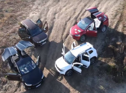 Tesla Model X, Dacia Duster 4WD, and Hummer H1 Compete in an Off-Road Challenge