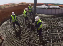Watch Builders Install 250-Feet Wind Turbine from Scratch