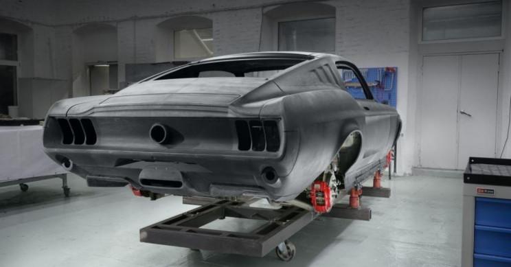 Aviar Mustang Carbon Fiber