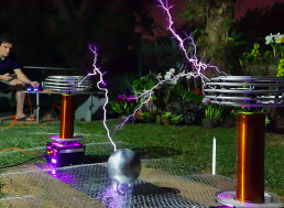 Guy Covers Toto's 'Africa' Using Dual High-Voltage Tesla Coil Setup