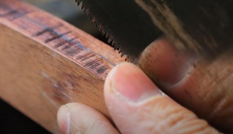 diy razor blade handle cut bisecting line