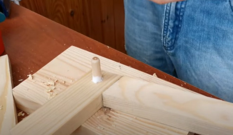 diy floating table wooden dowels