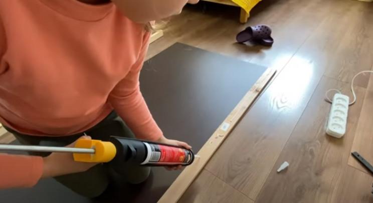diy floating desk back board slats