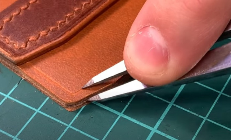 diy leather wallet seam on outer edge