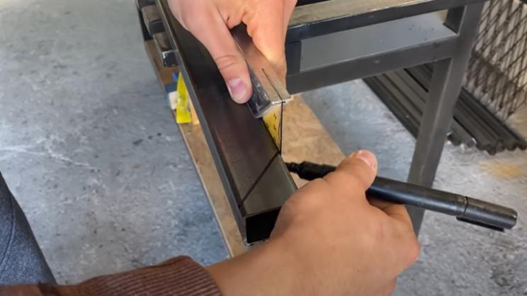 diy steel gate angle edges