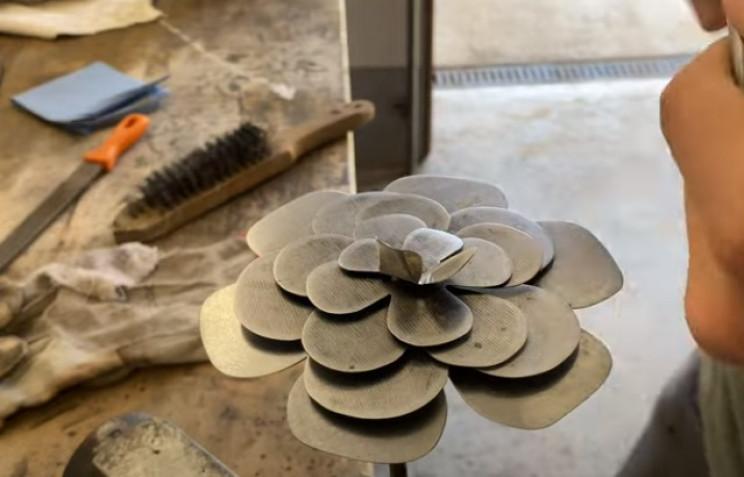 diy steel rose bend petals
