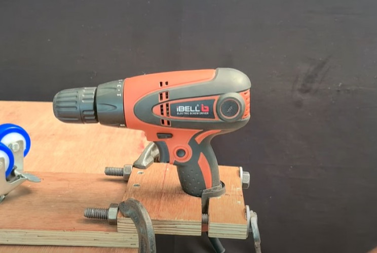 installation of a duy tanning drill