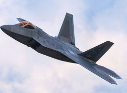 See What Happens When One F22 Takes on Five F15s