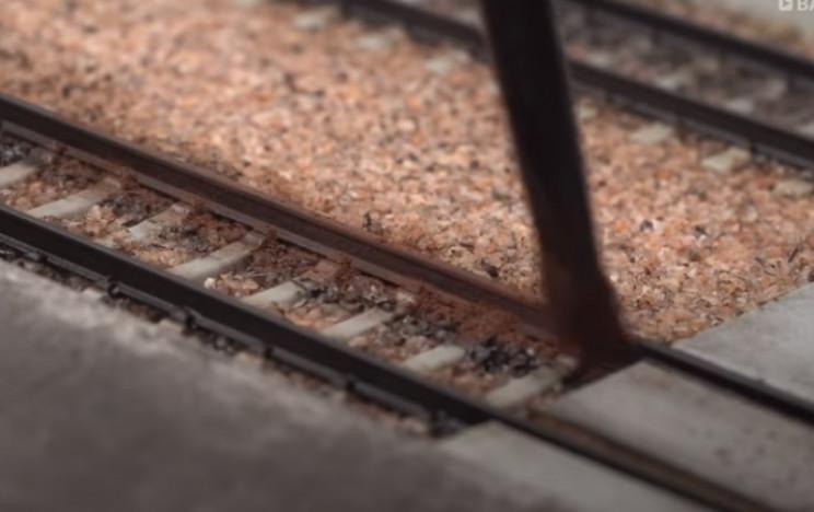 diy train tracks rust
