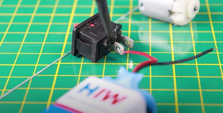 diy mouse trap wire switch