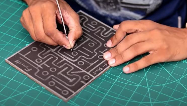 arduino maze traps