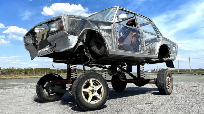 Mechanics Turn a Lada Into a Giant Bobble Head Toy