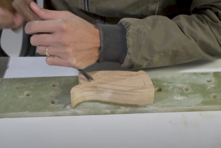 diy wooden rifle carve grips