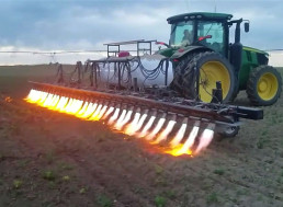 Flame-Throwing Tractor Needs No Chemicals to Get Rid of Weeds