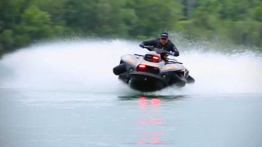 It's Possible to Dive into Water with Your Land Vehicle Now, for Real