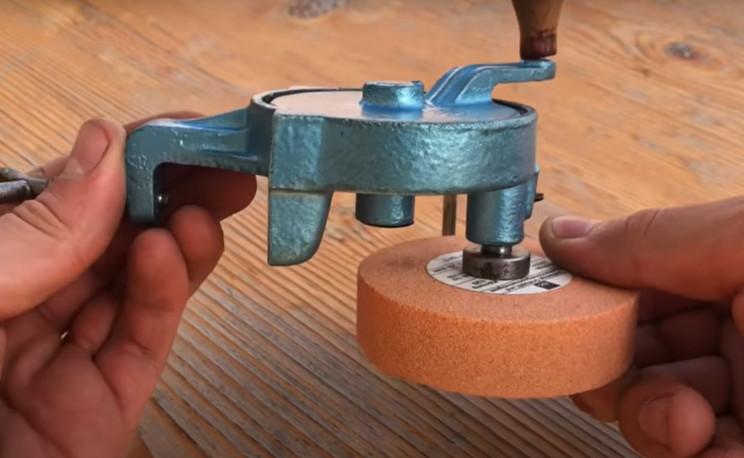 handcrank grinder complete