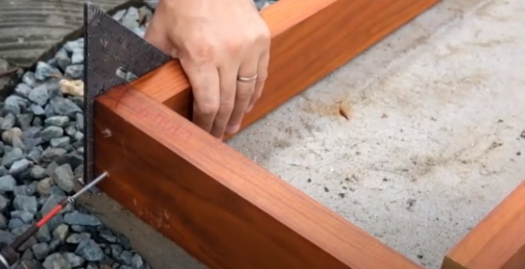diy garden shed screw timbers