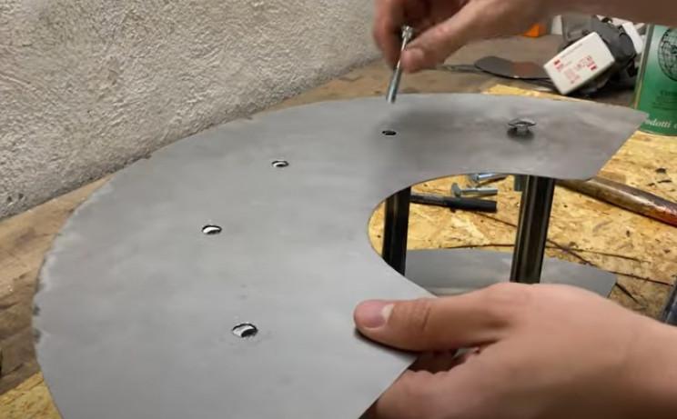 metal hose holder assemble