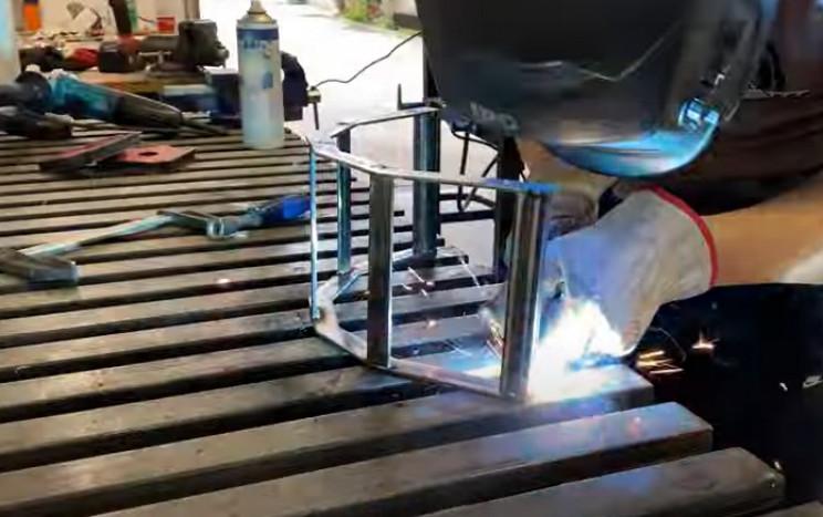 metal hose holder frame complete