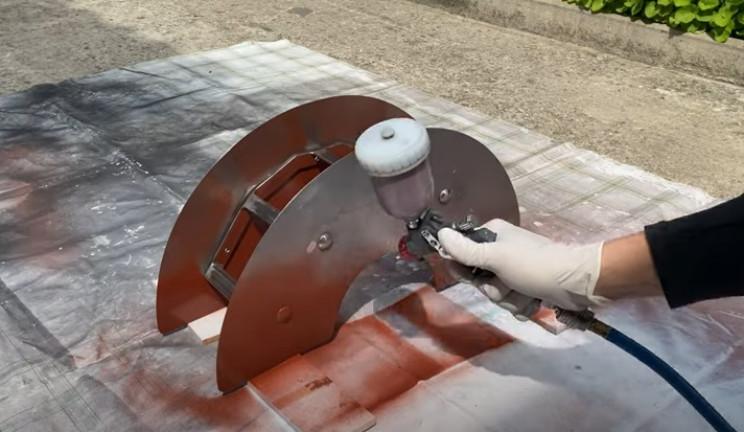 metal hose holder paint assembly