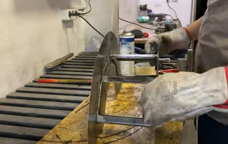 garden hose holder weld back plate
