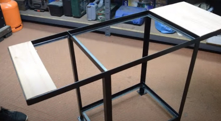 flat top grill wooden work surfaces