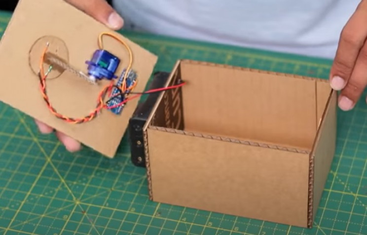coin bank wire battery