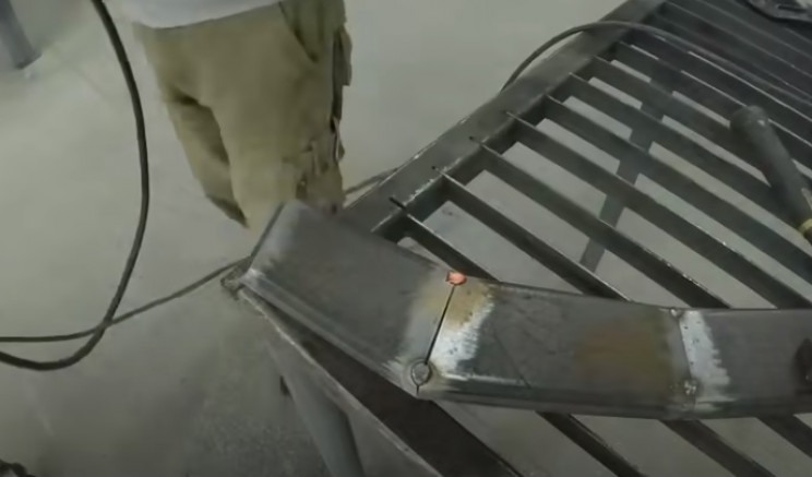 diy streetfighter bike weld