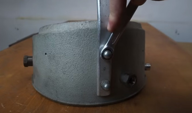 diy pressure gauge rear bolts