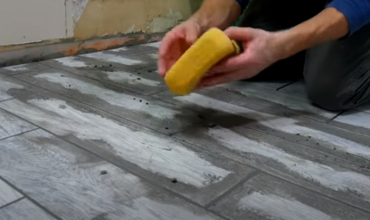 diy tiling cleaning grout