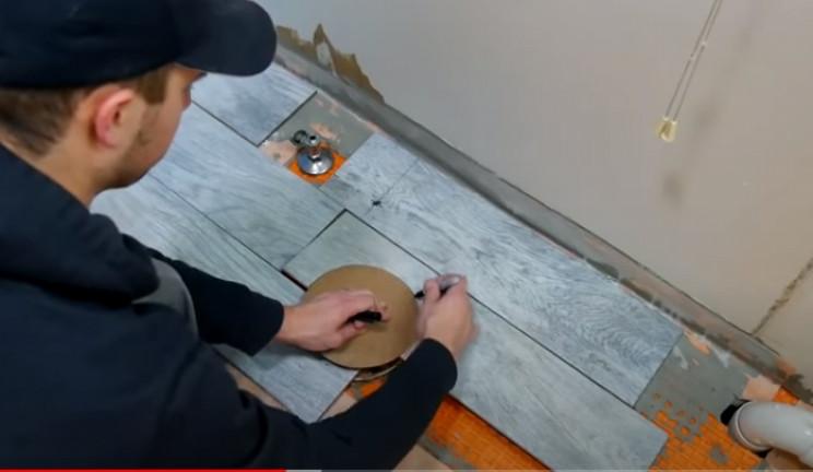 diy tiling floor tiles around services