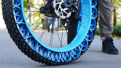 A Craftsman Built Airless Tires For His Bike, And It Works
