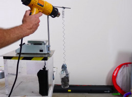 YouTuber Demonstrates Whether It's Possible to Lift Weights With Nitinol
