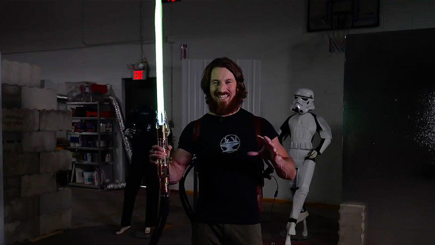 Engineer Builds World's First Retractable Star Wars Lightsaber