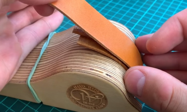 diy leather watchstrap leather sandwich 2
